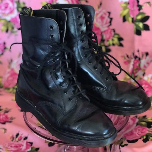 fbd4f5dc99de Dr. Martens Shoes - Dr martens docs vintage bouncing soles airwair 7 8